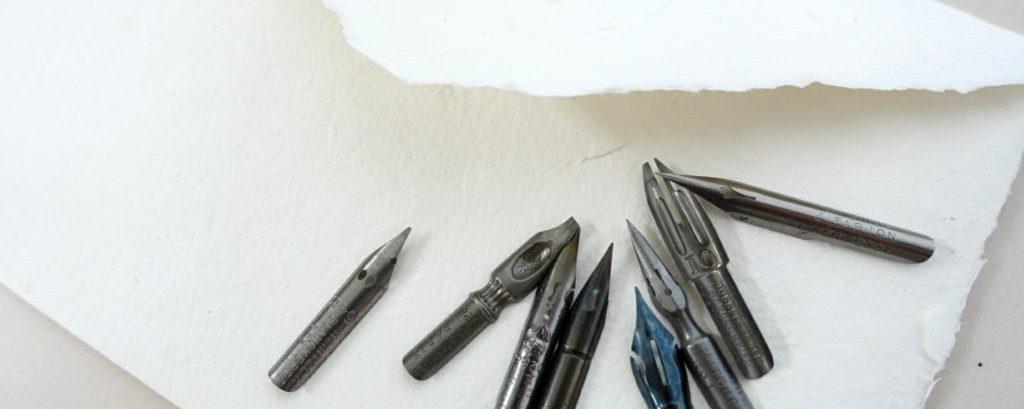 フランスのアンティークのペン先